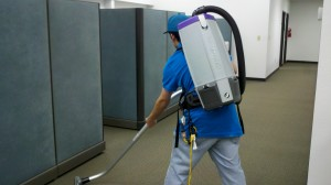 metro-cleaning-service-abq-vacuuming-2-1